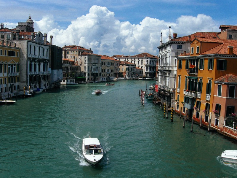 ヴェネチアの水没ニュース、その後の状況は?